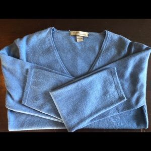 Sweaters - Light blue v neck cashmere sweater
